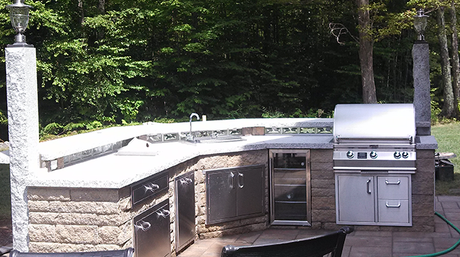 Outdoor Kitchen designed and installed by CR Hardscapes in NH